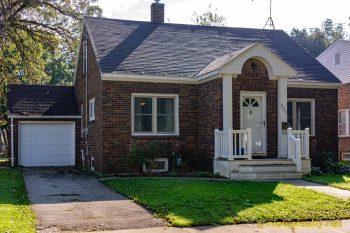 939 N. Delaware Ave. Mason City For Rent