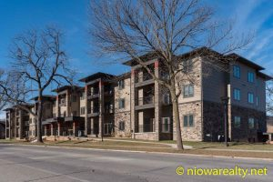 320 – 1st St. NE Unit 111 Mason City