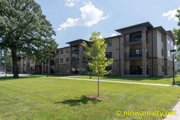 320 – 1st St. NE, Unit 210 – Mason City