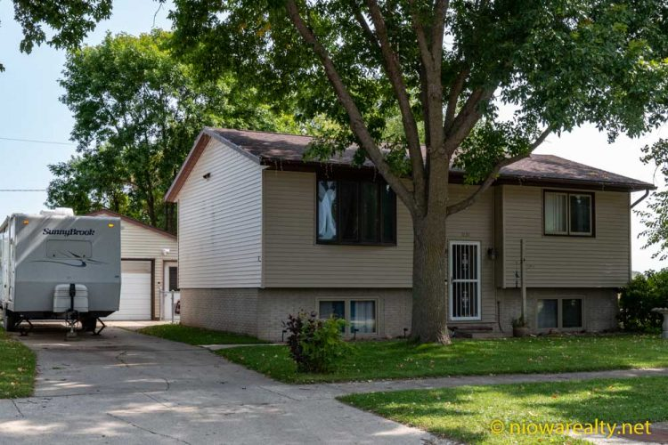 1131 S Illinois Ave – Mason City