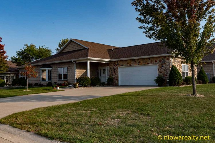 85 Creekside Court – Mason City