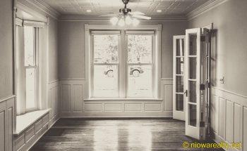 Tall-windowed Folk Victorian