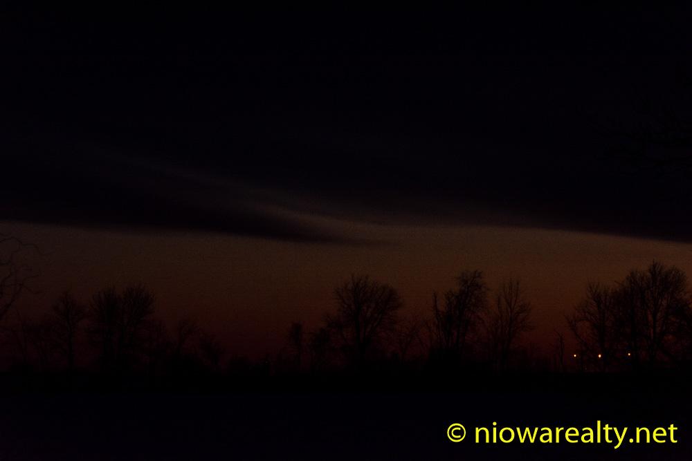 Silent Night, Creepy Night