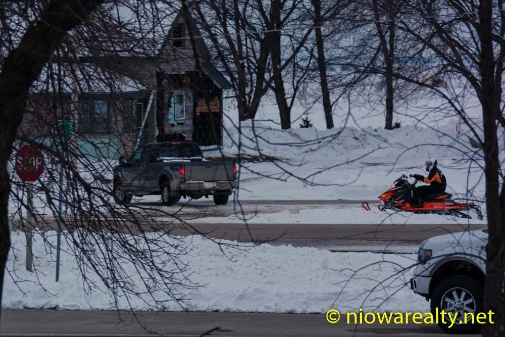Snowmobile Mania-1